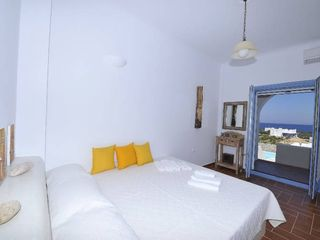 Monolithos house photo - King bed