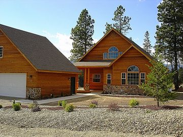 Lake Cle Elum house rental - Exterior - Summer - Front of the Cabin during the Summer