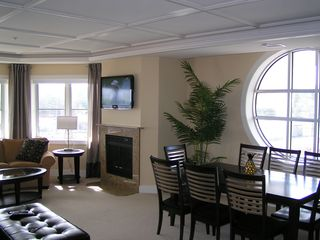Traverse City condo photo - Living Room/Dining Room. 40 inch LCD TV w/Blueray player