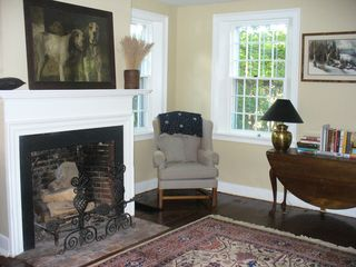 Woodstock house photo - .Livingroom wood fireplace