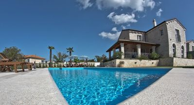 New stone villa 300 m², pool, playground, fitness, sauna and wine cellar
