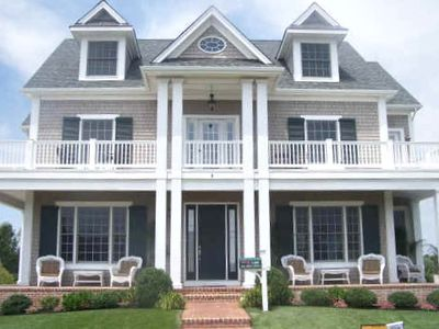 Beautiful ocean-facing home with 2 levels of well-furnished decks and porches