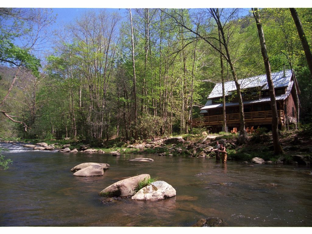 Luxury Mountain Cabin on the Nantahala River