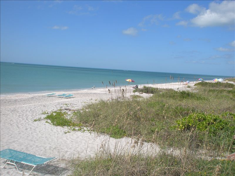 Minutes to Boca Grande and Englewood Beaches - VRBO