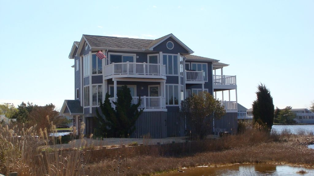 Waterfront property with elevator homeaway bethany beach for House plans with elevators waterfront