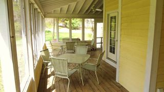 Union Pier cottage photo - Screened Porch Seats 10