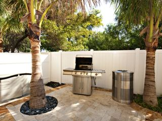 Pompano Beach studio photo - Exterior Grill