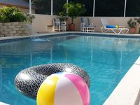 Private, tropical getaway near Legoland & Disney