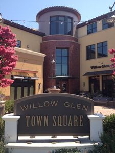 Everything that Downtown Willow Glen has to offer steps away from the Apartment