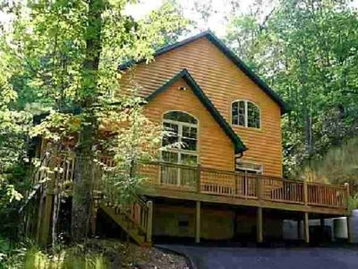 "Gatlinburg cabin rental - ""Beyond Expectations"" Secluded Luxurious Cabin with spectacular surroundings"