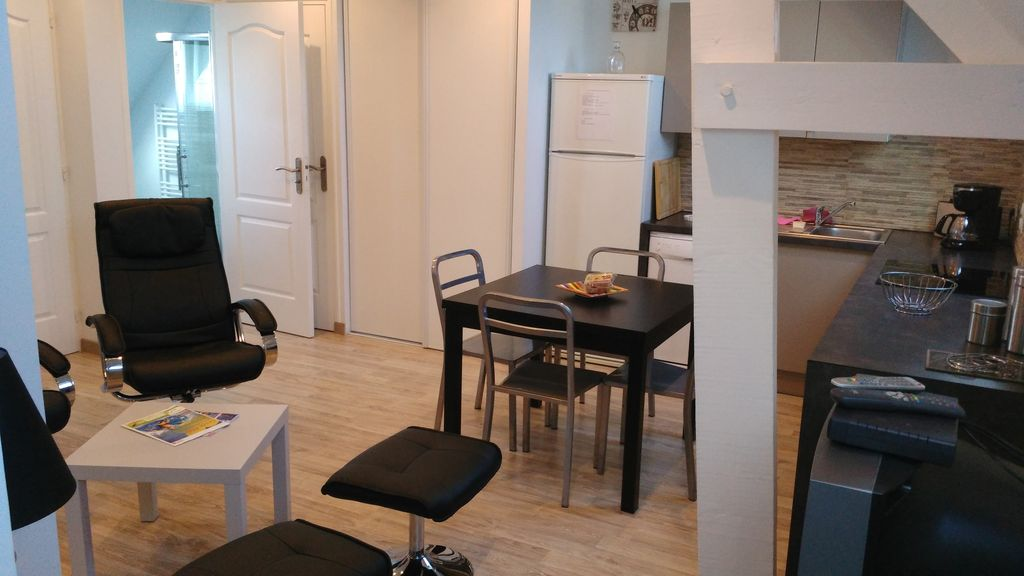 Peaceful accommodation, 40 square meters, recommended by travellers !