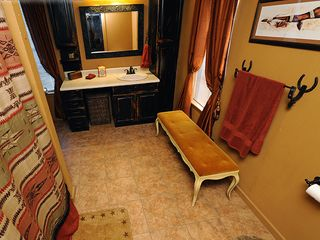 Bandera cottage photo - Master Bathroom