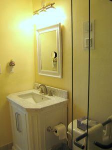 St Petersburg condo rental - Bathroom