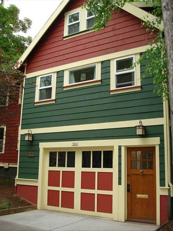 KInley Manor Loft Apartment...Portland's Most Talked About, Well-Kept Secret!