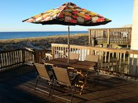 Lovely Beachfront Home, Right on the Beach! the Breezeway!