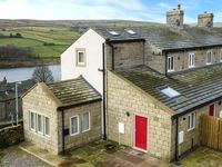 UPPER MOORLAND VIEW, pet friendly in Oxenhope, Ref 918098