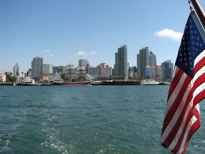 Gorgeous San Diego Bay, Sea World, the Zoo and Petco Park are 30 mins away!