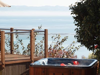 Exceptional Views over Tasman Bay Tahuna Beach!