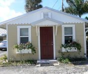 Pineapple Pickers Cottage