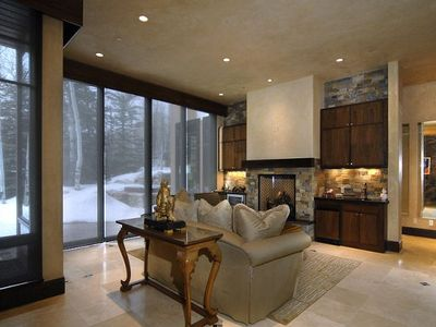 Luxury Private Mountain Contemporary Home, sleeps 10 +
