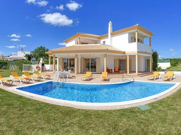 Villa Vega - Four Bedroom Villa, Sleeps 8
