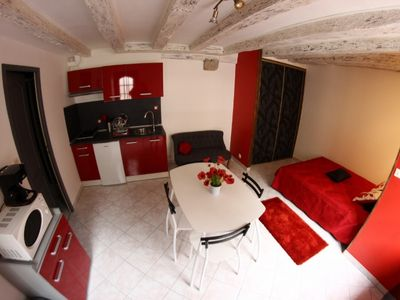 RENTAL STUDIO FURNITURE OF 20 M2 IN THE HEART OF THE CENTRE