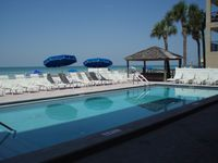 Beachfront 3 bedroom condo, pool & jacuzzi