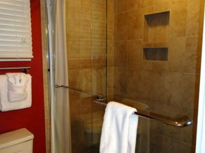 Kiawah Island cottage rental - Master shower.