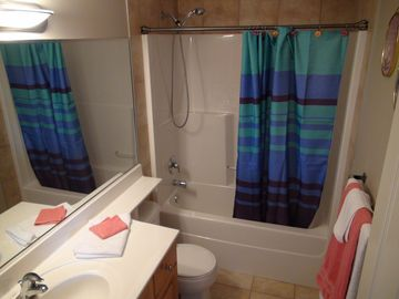 Calgary Vacation Home upstairs full bath bright and clean