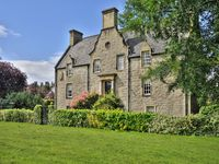 Award-Winning Historic Rental Parking and Wi-Fi Scottish Owners On-hand