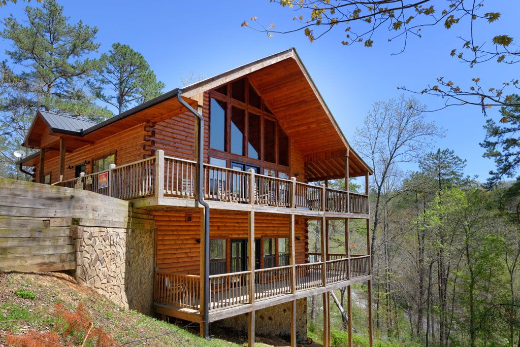 4 bedroom private pool cabin in between vrbo for Private secluded cabins in pigeon forge