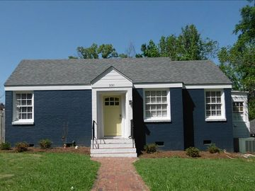 Auburn house rental - Kick 'Em in the Butt Big Blue House! The house is easy to find on a quiet stree