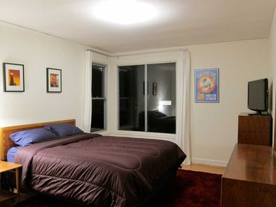San Francisco townhome rental - The queen bedroom at night