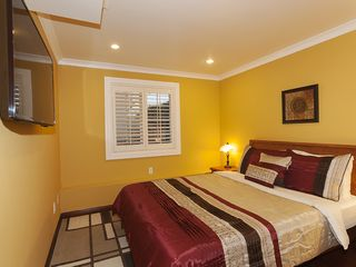 San Francisco house photo - Downstairs Bedroom with Queen bed