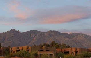 Desirable Foothills Living - Tucson condo vacation rental photo