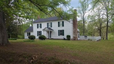 Farmhouse Circa 1840 Fully Restored In Virginia Wine, Golf And Horse Country