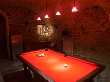 The GamesRoom - Full Size Pool Table