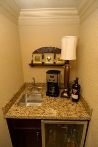 Wet/coffee bar/wine bar/refrigerator