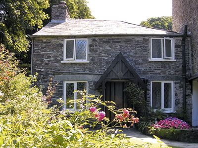 MILL COTTAGE, family friendly, with a garden in Tintagel, Ref 981