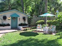 Quaint Private Cottage in Residential Mount Dora - 1 mile from down town
