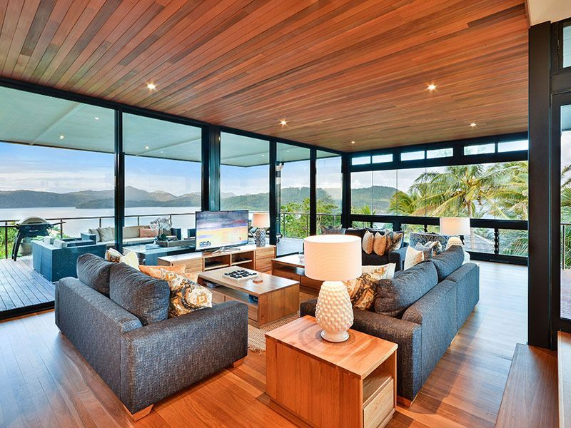 Hamilton Island Holiday House: All-Ensuite Private Home with Ocean