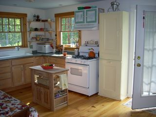 Camden cottage photo - Fully equipped kitchen includes spices, flour, baking supplies.