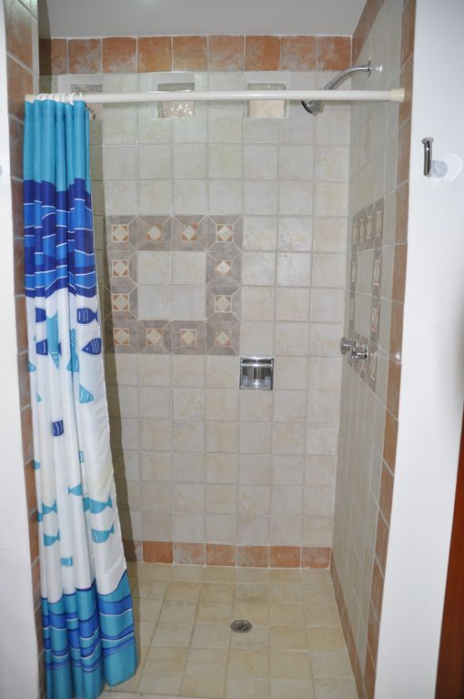 Beautiful tile shower with great water pressure :)