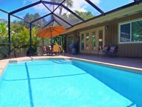 Fabulous 3 BR Heated Pool Home Minutes from Siesta Key Beach