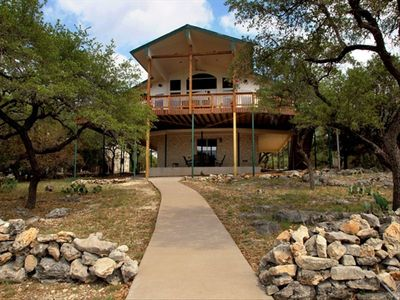Lake Travis Waterfront Home w. Wi-Fi, 60 Inch HDTV, Boat Dock