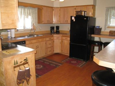 Fabulous kitchen! Two coffee makers! Paper goods provided. All you need!