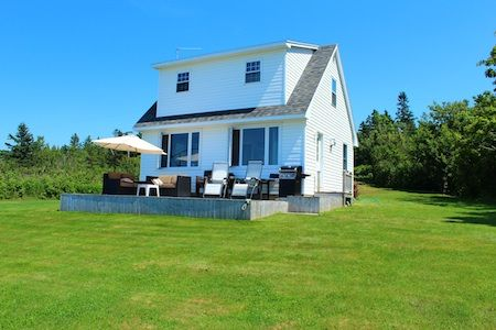 Relaxing bay of fundy sunset retreat vrbo for Minimalist house bay of fundy