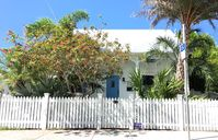 Historic home with 3 bedrooms, 3 baths and a private pool in Old Town Key West
