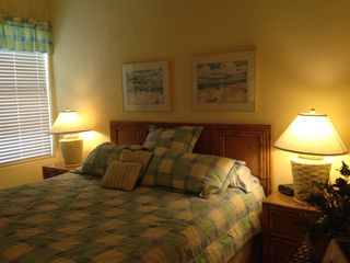 New Smyrna Beach townhome photo - Bedroom # 2 (upstairs) with king bed,TV, and closet.