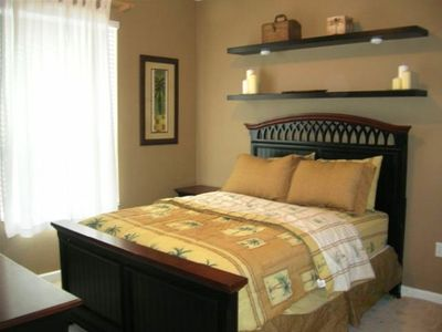 Owner Suite - Tommy Bahama Theme with Queen Size Bed
